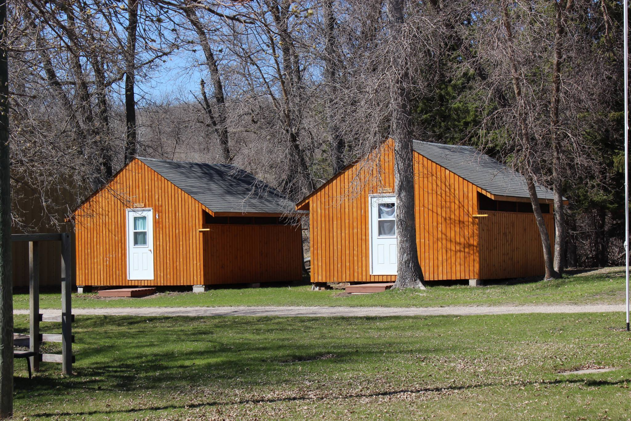 Cabins 4 & 5